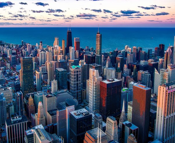 A view of Chicago, the city where people usually move after they study the Illinois relocation guide.