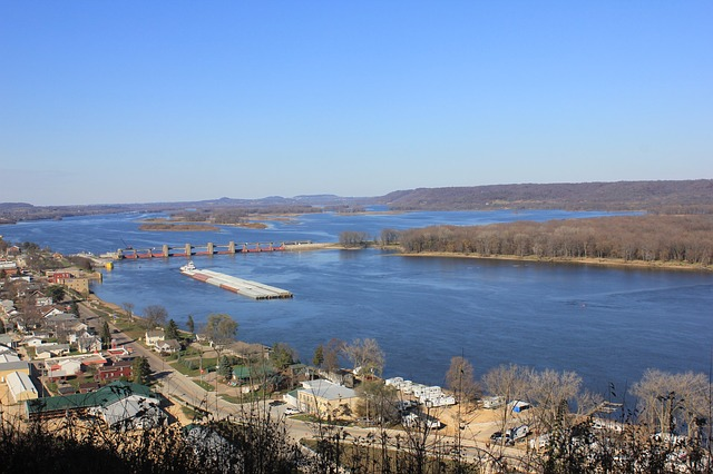 The Mississippi River is a great love of the people who live there and this is one of the things you should know before moving to Mississippi.
