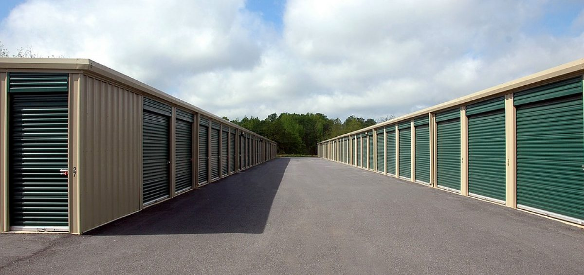 What is the best way that your business can benefit from renting a storage unit?