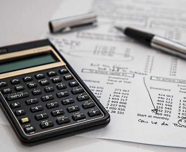 Calculator - Discover what are those tax deductions for moving costs.