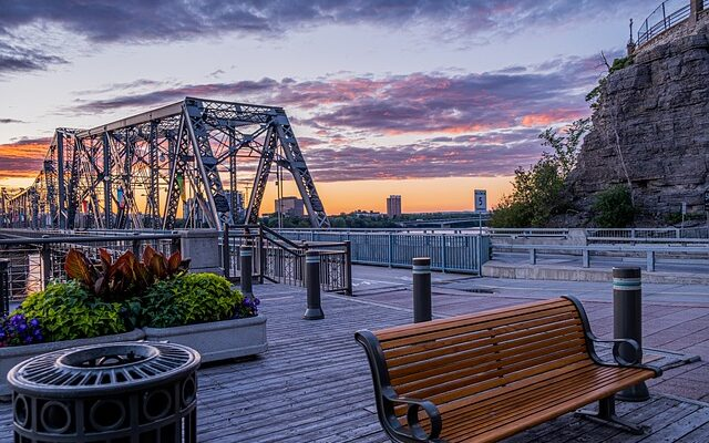 The first step in the guide to moving to Gatineau is to learn about the city.