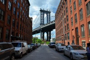 DUMBO is one of the best locations to be your office when launching a start up in Brooklyn.
